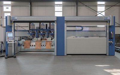 Innovative, 17-achsige Fräsmaschine für Stuhlsitze