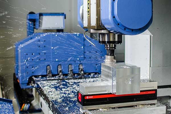 CNC-Maschine in Auslegerausführung