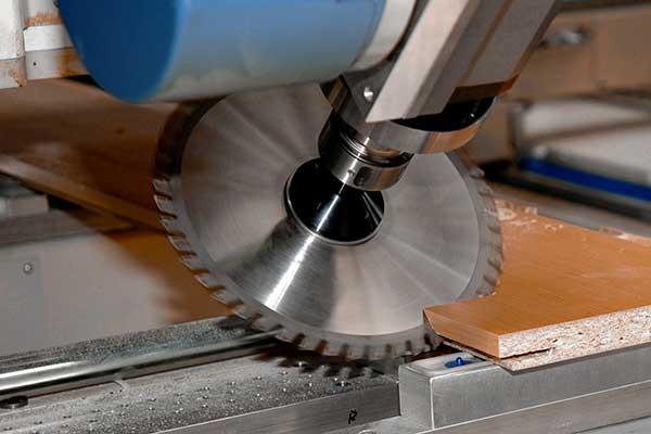CNC-Maschinen für die Holzbearbeitung